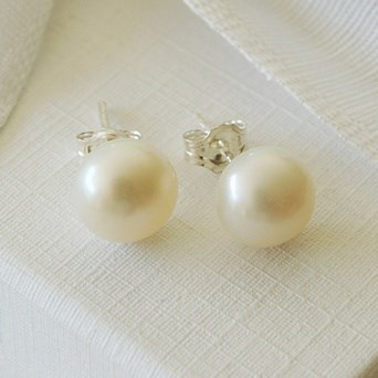 Oversize Freshwater Pearl Studs