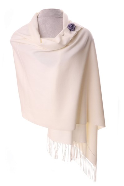 Ivory Pashmina with scarf pin