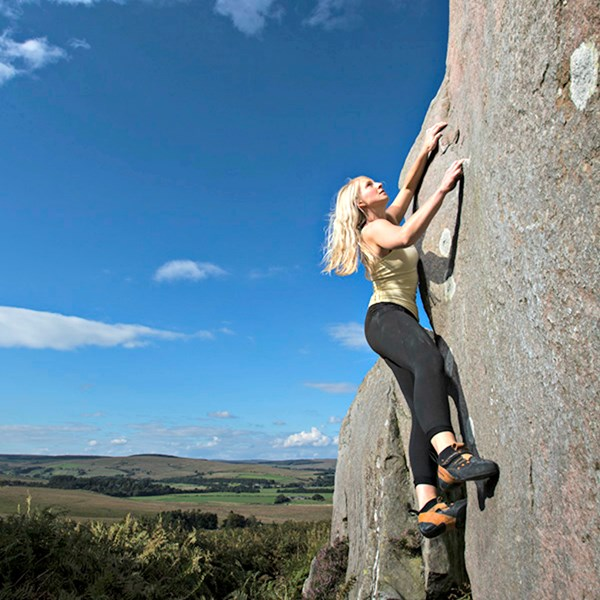 Outdoor bouldering improver (5 hour session) in Northumberland