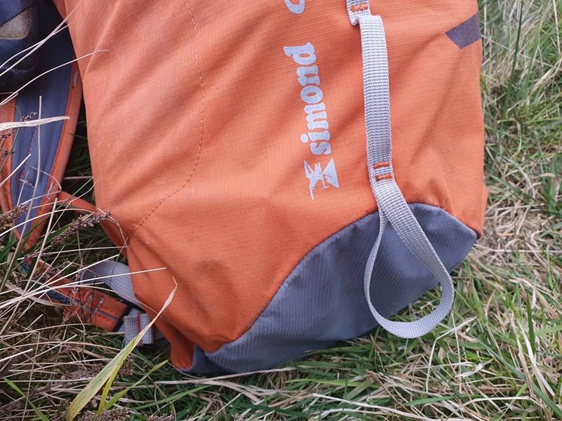Simond Cliff II 20 Litre rucksack ice axe loop