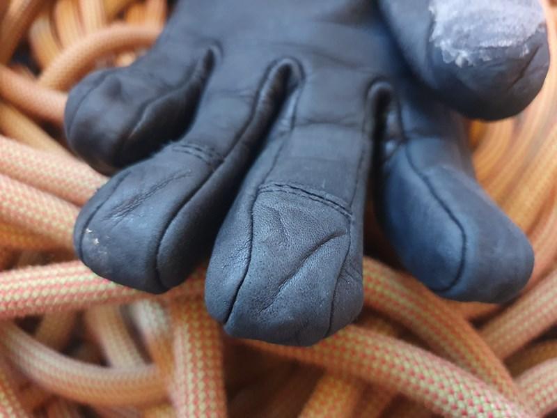 Mountain Equipment Couloir Glove - fingertip detail