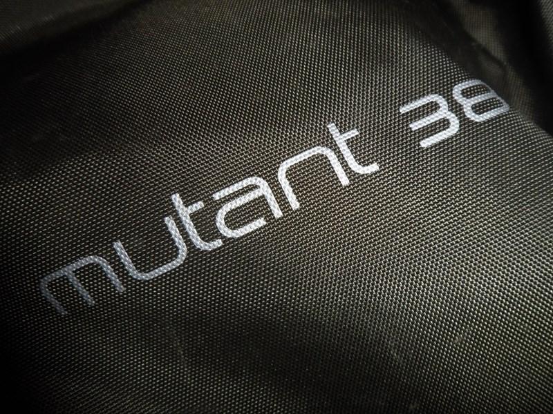 Osprey Mutant 38 - fabric detail